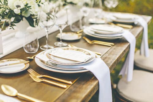 garden-style-organic-wedding-flower-centerpiece-floral-designer-a-timeless-celebration-montreal+2