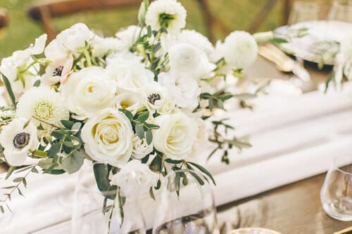 garden-style-organic-wedding-flower-centerpiece-floral-designer-a-timeless-celebration-montreal