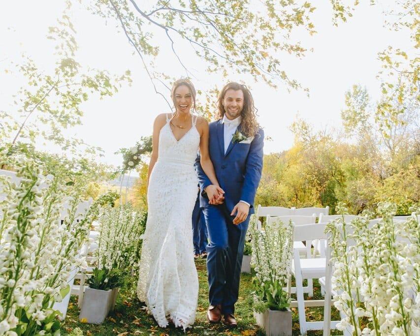 garden-style-organic-wedding-flower-centerpiece-floral-designer-a-timeless-celebration-montreal+4