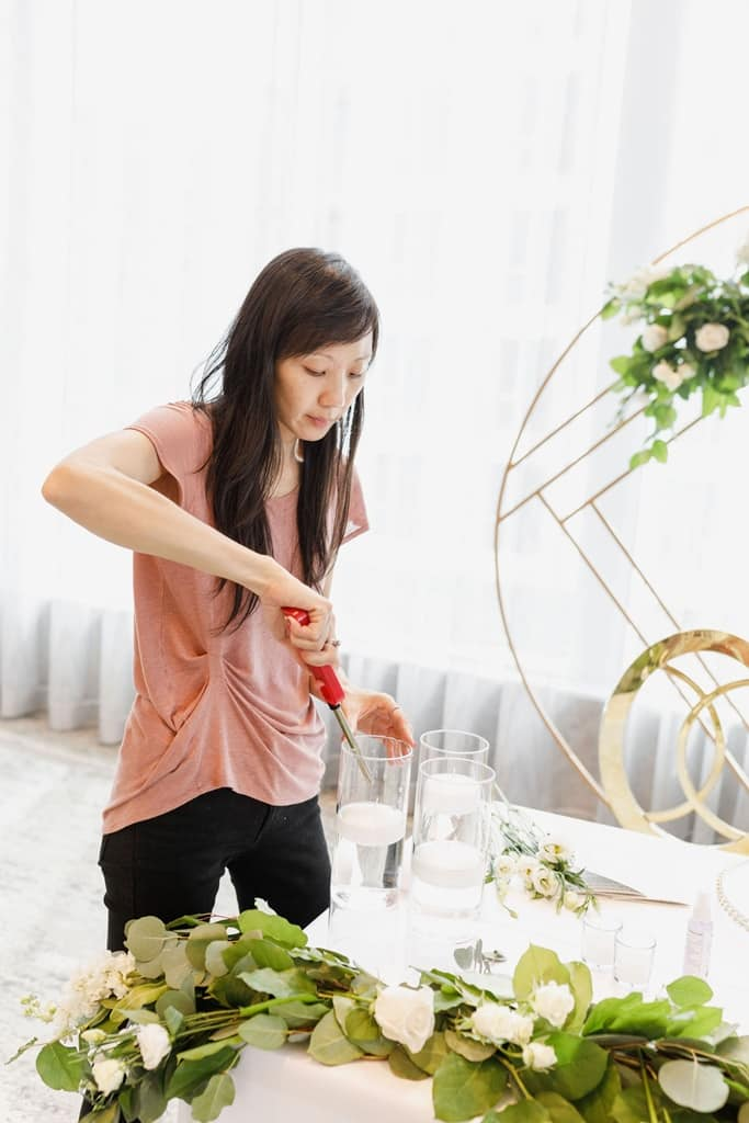 wedding planner lights candles